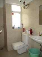 15J7U00016: Bathroom 1