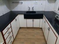 13J6U00460: Kitchen 1
