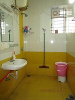 15J7U00367: Bathroom 2