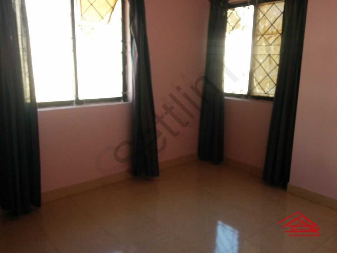 12J6U00469: Bedroom 1