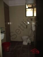 10DCU00006: Bathroom 1