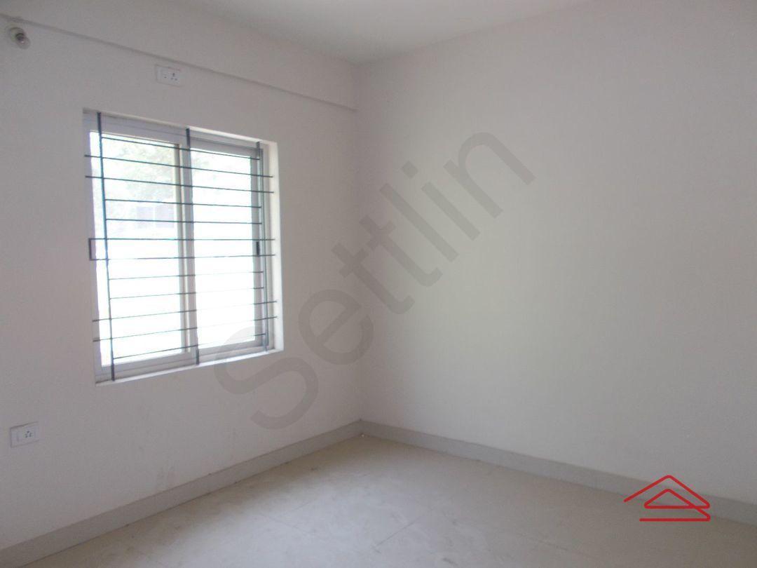 12J6U00348: Bedroom 1
