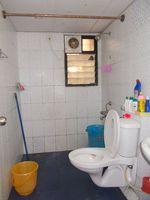 12J6U00278: Bathroom 2