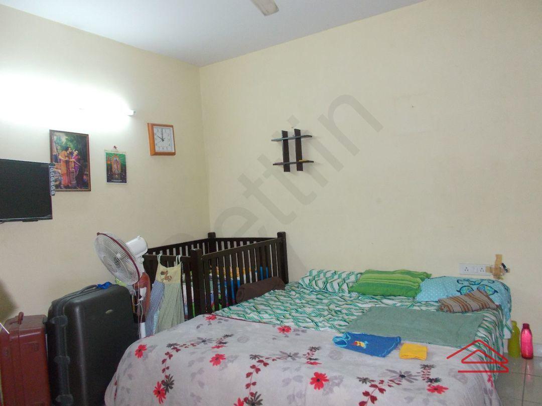 12J6U00278: Bedroom 1