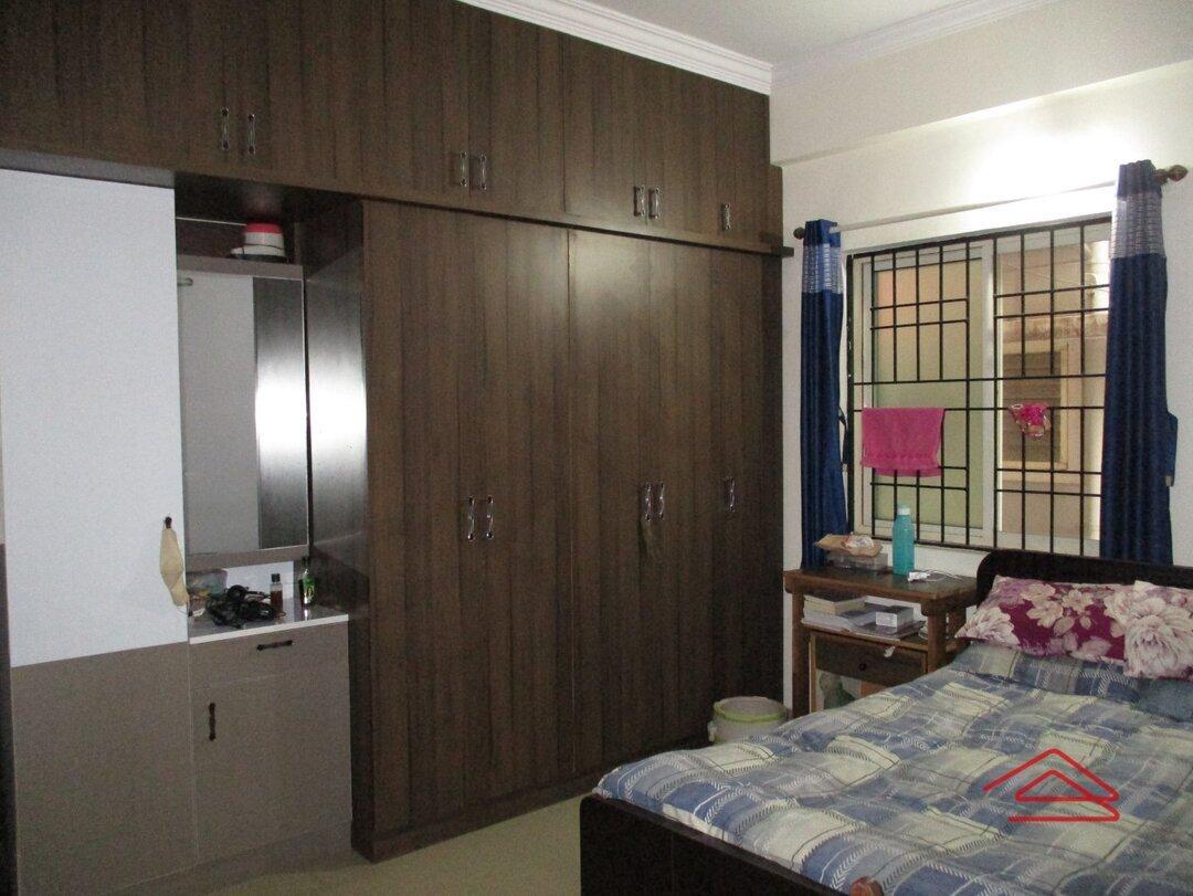 15OAU00215: Bedroom 1