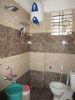 13J6U00528: Bathroom 2