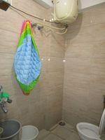 13J6U00528: Bathroom 1