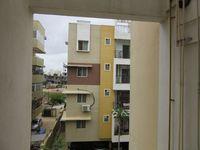 13J7U00358: Balcony 2