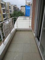 13J7U00358: Balcony 1