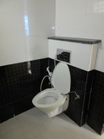 13J7U00358: Bathroom 2