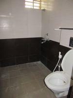 13J7U00358: Bathroom 3