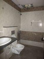 13J7U00358: Bathroom 1