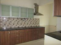 13J7U00358: Kitchen