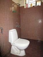 13J6U00148: Bathroom 1