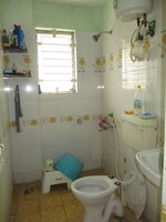 15J7U00213: Bathroom 2