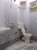 13A4U00113: Bathroom 1