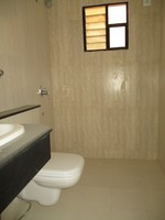 11A4U00113: Bathroom 1