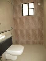 11A4U00113: Bathroom 3