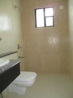 11A4U00113: Bathroom 4