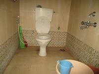 12J1U00207: Bathroom 3