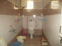 12J1U00207: Bathroom 1