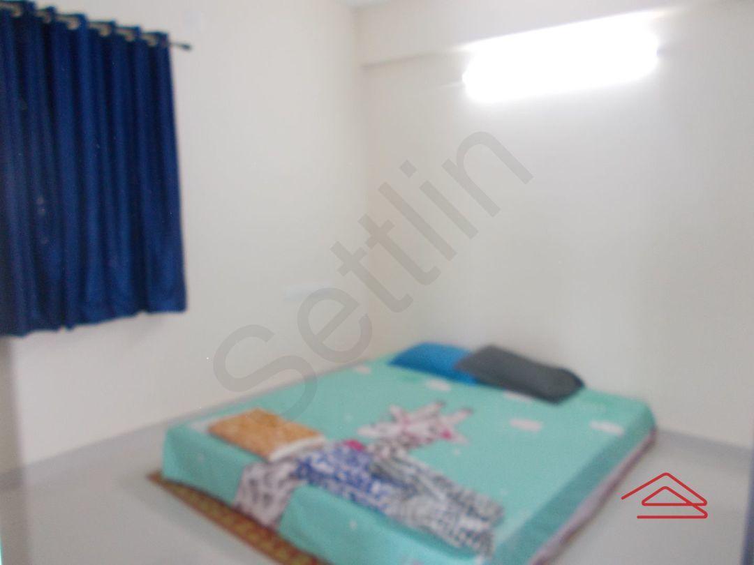 11J7U00282: Bedroom 1