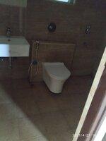 15S9U00033: Bathroom 1