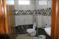 15M3U00043: Bathroom 1