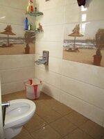 15S9U00244: Bathroom 1