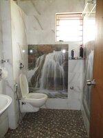 15S9U00244: Bathroom 2