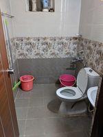 13J1U00096: Bathroom 1