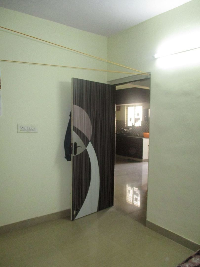 10J6U00017: Bedroom 2