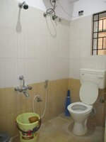 15J1U00434: Bathroom 1
