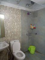 12OAU00102: Bathroom 2