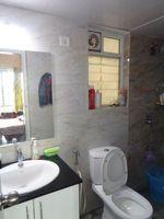 12OAU00102: Bathroom 1
