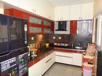 12OAU00102: Kitchen 1