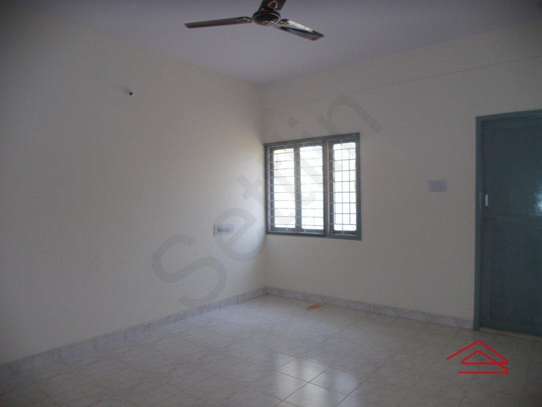 14NBU00475: Bedroom 1