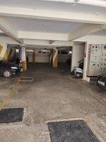 15J7U00667: parkings 1