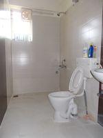 13J1U00065: Bathroom 2