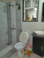 15J1U00119: Bathroom 1