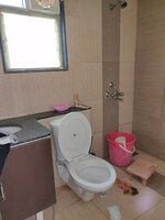 15J1U00119: Bathroom 2