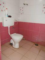13J1U00122: Bathroom 2