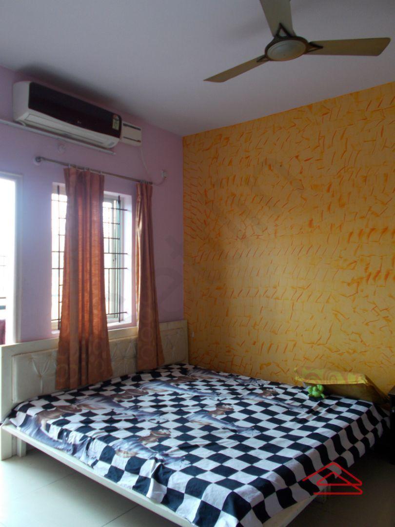 13J1U00122: Bedroom 1