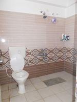 13M5U00100: Bathroom 1