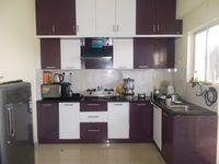 13M5U00100: Kitchen 1