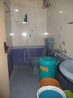 11OAU00028: Bathroom 2