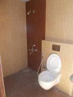 11F2U00299: Bathroom 1