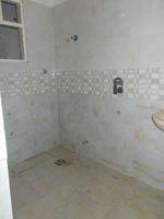 13J6U00259: Bathroom 1