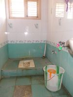12J6U00036: Bathroom 2