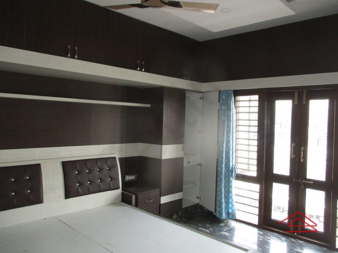 13M5U00024: Bedroom 1
